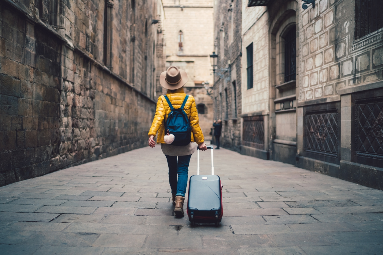 Travelling abroad? Here's how to avoid getting homesick